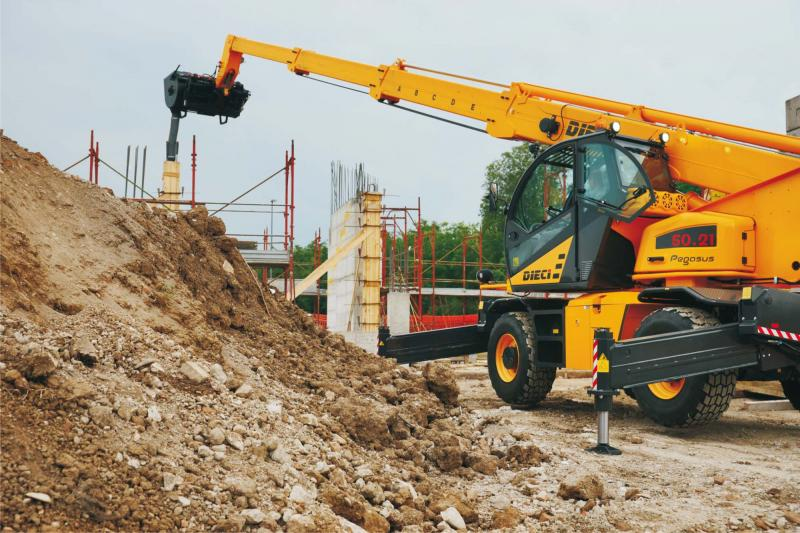 Construction Telehandlers in BC | DIECI Construction