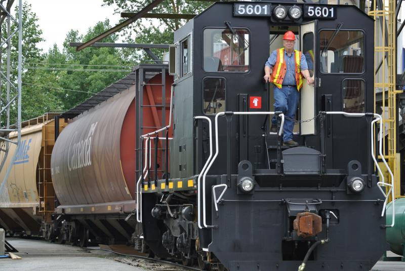 Railcar Mover Repairs, Sales and Rentals   Shuttlewagon Railcar Movers